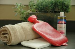Castor oil packs can help with pain and inflammation of endometriosis