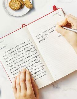 Keeping an endometriosis diary