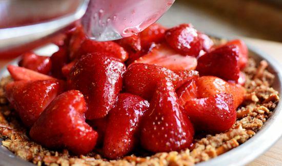 Strawberry tart recipe for the endometriosis diet